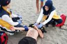 Genç kızı kurtarmaya çalışan 2 kişi boğulma tehlikesi geçirdi!