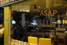 Suriyelilerin evleri ve dükkanları taşlandı