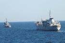 Ukrayna savaş gemileri Rus sularına girdi