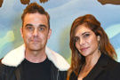 Robbie Williams ve Türk asıllı eşi 3. çocuklarını kutluyor