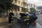 Kocaeli'nde seyir halindeki otomobil yandı