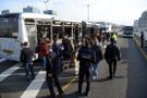 Çağlayan'da metrobüs kazası! Metrobüsler çarpıştı