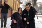 Yaşlı kadının sesine Kars Valisi Türker Öksüz kulak verdi