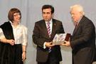 Samsun Valisi Güzeloğlu ödülünü aldı