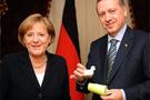 Angela Merkel İstanbul'dan ayrıldı