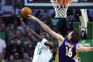 Lakers Boston'u evinde vurdu