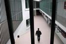 Cezaevini basıp 15 mahkumu kaçırdılar