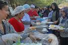Konak'ta sevgi piknikleri sürüyor