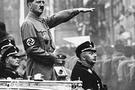 Hitler'i sonunda oyuncak ettiler