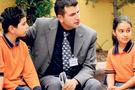 Evli öğretmenin çocuk sevgisi daha fazla