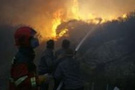 Şehrin göbeğindeki yangın panik yarattı
