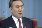 Nazarbayev'e 10 yıl daha iktidar 'anayasa'ya takıldı
