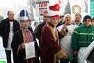 Benzin zammına padişahlı protesto