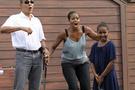 Obama'nın kızlarına Facebook yasak