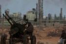 İsyancılar, Kaddafi birliklerini Brega'dan çıkardı