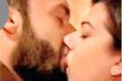 Pargalı ile Nigar kalfa dudak dudağa