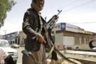 Aden'de askerlere bombalı saldırı