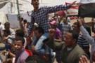 Mısır'da göstericiler ikna olmuyor