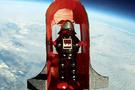 Uzaya oyuncak gönderen genç!