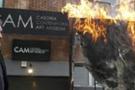 İtalyan müze, protesto için eser yaktı