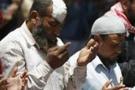 Kahire'de protestoya saldırı: En az altı ölü