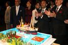 Atatürk'e doğum günü pastası kesildi