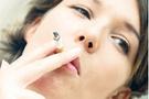 Sigara içmek kadınlar için daha tehlikeli