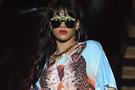 Rihanna kıyafetiyle yine olay yarattı