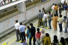 Metrobüs zengin fakir kavgası çıkardı