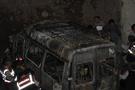 Kaza yapan minibüste yangın: 4 ölü