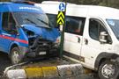Askeri araç kaza yaptı!