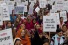 Hindistan'da binlerce kadının gösterisi