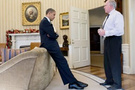 Obama'nın yıkıldığı o an yayınlandı!