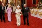 Kraliçe bulaşıkcısı bakın kaç para alıyor