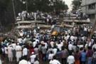 Hindistan'da bina çöktü: En az 40 ölü
