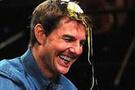 Tom Cruise kafasında yumurta kırdı