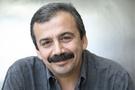 Sırrı Süreyya Önder kendini alışverişe vurdu