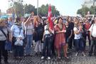 'Gezi Anneleri' insan zinciri oluşturdu