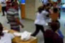 Doktoru bu kez personel dövdü