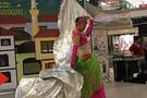 Ramazan eğlencesinde erkek dansöz
