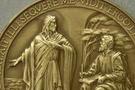 Vatikan'ı rezil eden madalyalar