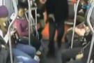 Metrobüste silahlı soygun İZLE