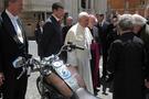 Papa imzalı motorsiklet sonunda satıldı