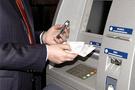 Bankamatik kartını ATMde unutunca