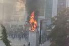 Atatürk heykelini ateşe verdiler!