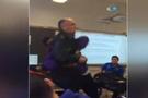 Öğrenci öğretmenini yere yatırdı ve...