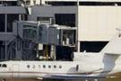 Sırp lideri taşıyan uçak dökülen kahve yüzünden düşüyordu