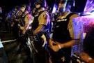 Ferguson'un 1. yıldönümünde silahlı çatışma