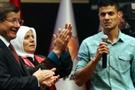 Kürt kökenli gencin sözleri Davutoğlu'nu memnun etti