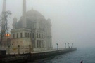 Yoğun sis İstanbulu vurdu